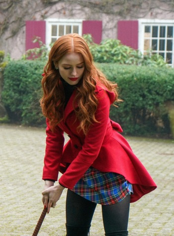 Riverdale-Cheryl-Blossom-Red-Coat