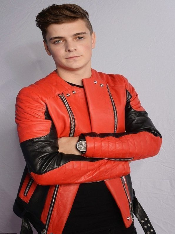 Martin-Garrix-Red-Black-Jacket-6